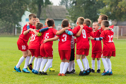 Choosing Sports Programs for Kids